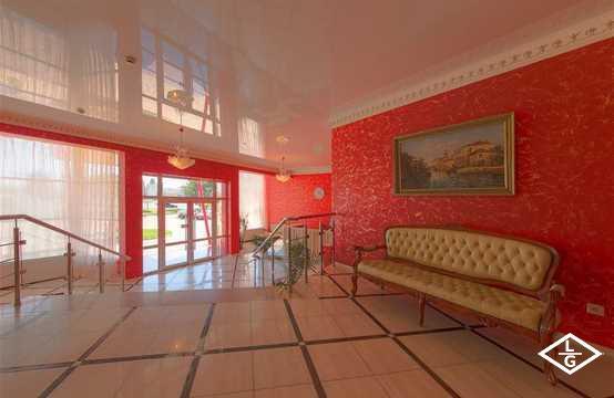 Отель «Red Hotel»